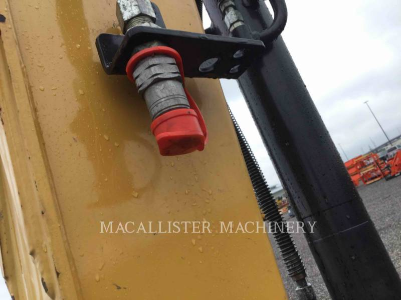 CATERPILLAR TRACK EXCAVATORS 305.5E2CR equipment  photo 13