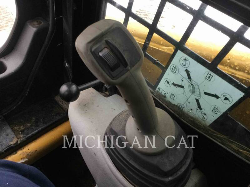 CATERPILLAR CHARGEURS TOUT TERRAIN 247B3 CQ equipment  photo 9
