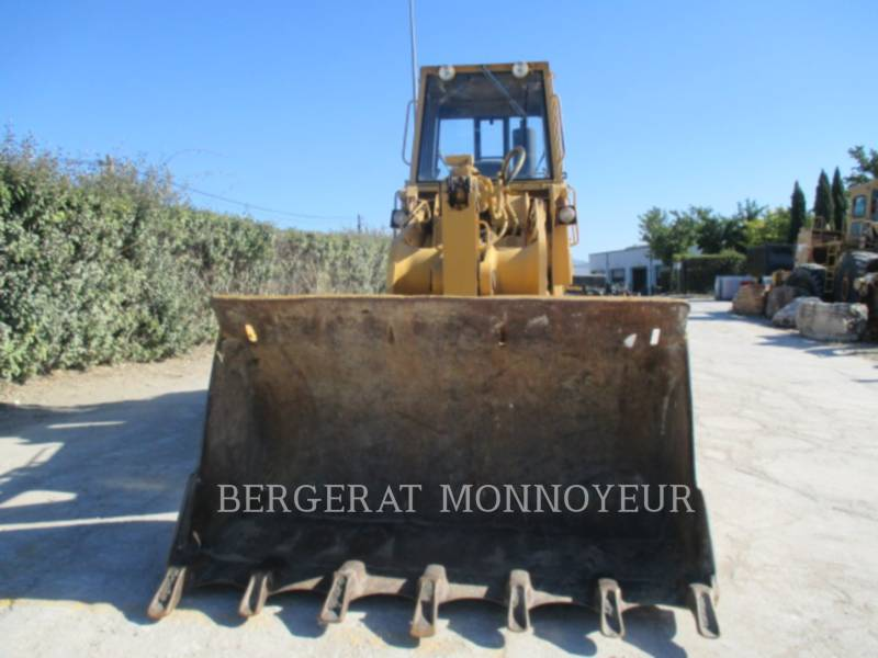 CATERPILLAR CHARGEURS SUR CHAINES 963 equipment  photo 12