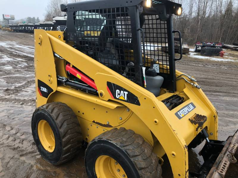 CATERPILLAR CHARGEURS COMPACTS RIGIDES 236B3 equipment  photo 8
