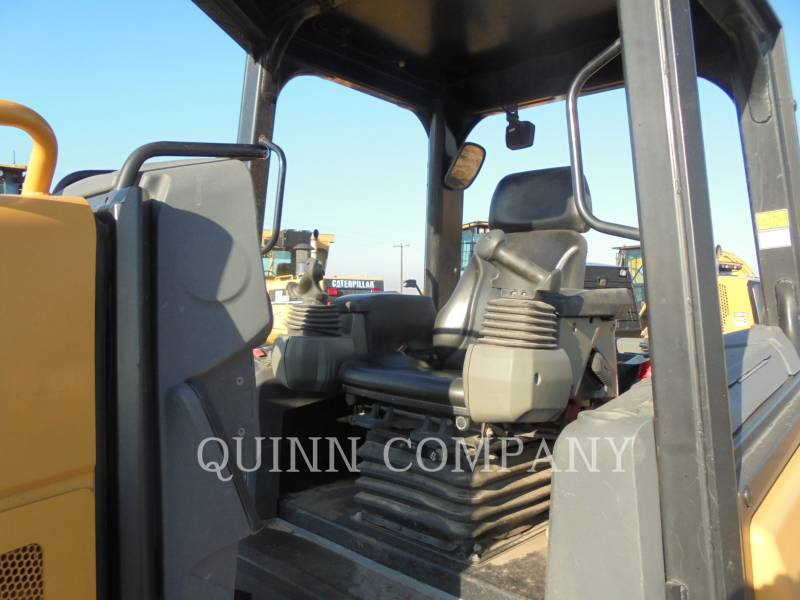 CATERPILLAR TRACTORES DE CADENAS D3K2 XL equipment  photo 2