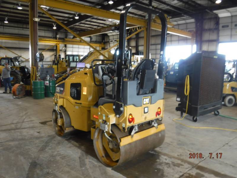 CATERPILLAR VIBRATORY DOUBLE DRUM ASPHALT CB24B equipment  photo 3