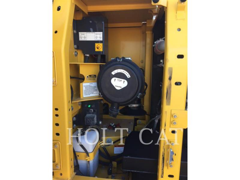 KOMATSU EXCAVADORAS DE CADENAS PC210LC-10 equipment  photo 8