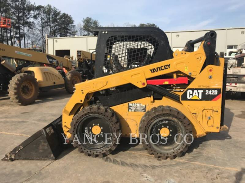 CATERPILLAR SKID STEER LOADERS 242D PDC equipment  photo 4