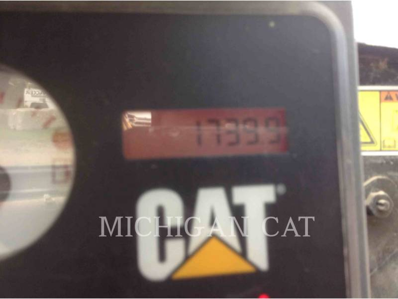 CATERPILLAR SKID STEER LOADERS 272C AQ equipment  photo 6