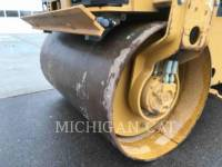 CATERPILLAR TAMBOR DOBLE VIBRATORIO ASFALTO CB24 equipment  photo 16