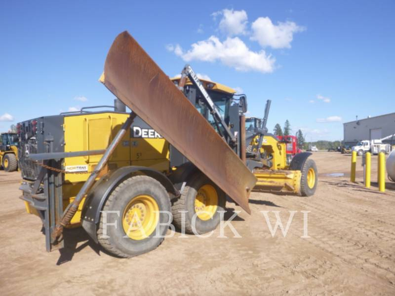 DEERE & CO. MOTOR GRADERS 670G equipment  photo 3
