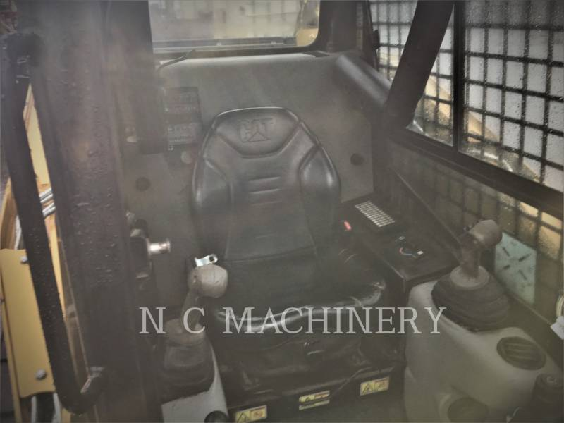 CATERPILLAR CHARGEURS COMPACTS RIGIDES 259B3 equipment  photo 4