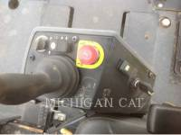 CATERPILLAR COMPATTATORE PER ASFALTO A DOPPIO TAMBURO VIBRANTE CB64 equipment  photo 15