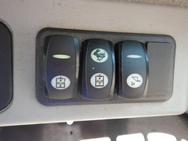 CATERPILLAR MULTI TERRAIN LOADERS 289 D equipment  photo 15