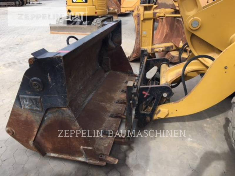 CATERPILLAR CARGADORES DE RUEDAS 908H equipment  photo 12