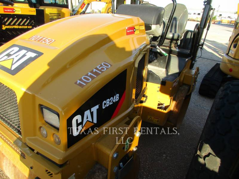 CATERPILLAR ROLO COMPACTADOR DE ASFALTO DUPLO TANDEM CB 24 B equipment  photo 3