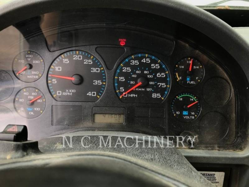 INTERNATIONAL TRUCKS LKW 4200 equipment  photo 3
