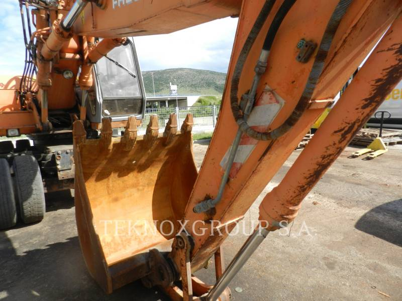 FIAT-HITACHI EXCAVADORAS DE RUEDAS FH200W equipment  photo 6