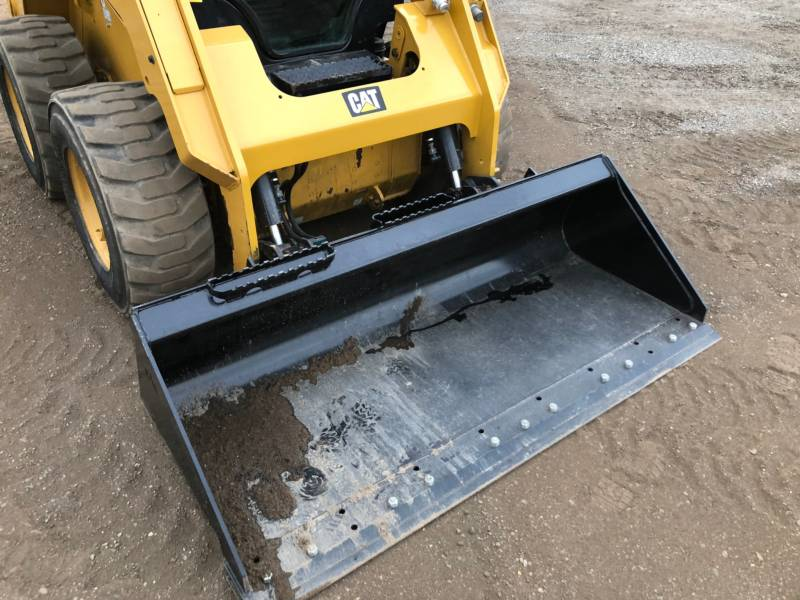CATERPILLAR CHARGEURS COMPACTS RIGIDES 242D equipment  photo 16