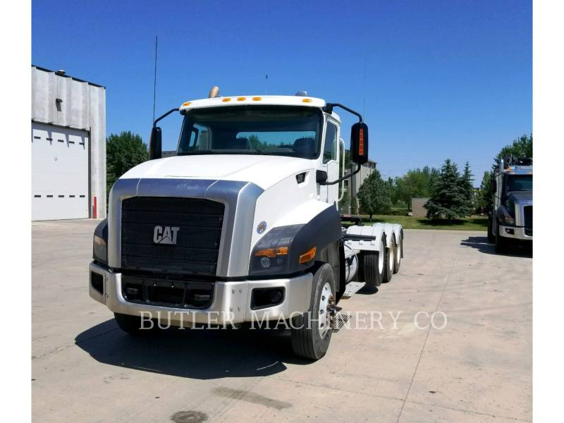 CATERPILLAR CAMIONS ROUTIERS CT660 equipment  photo 1
