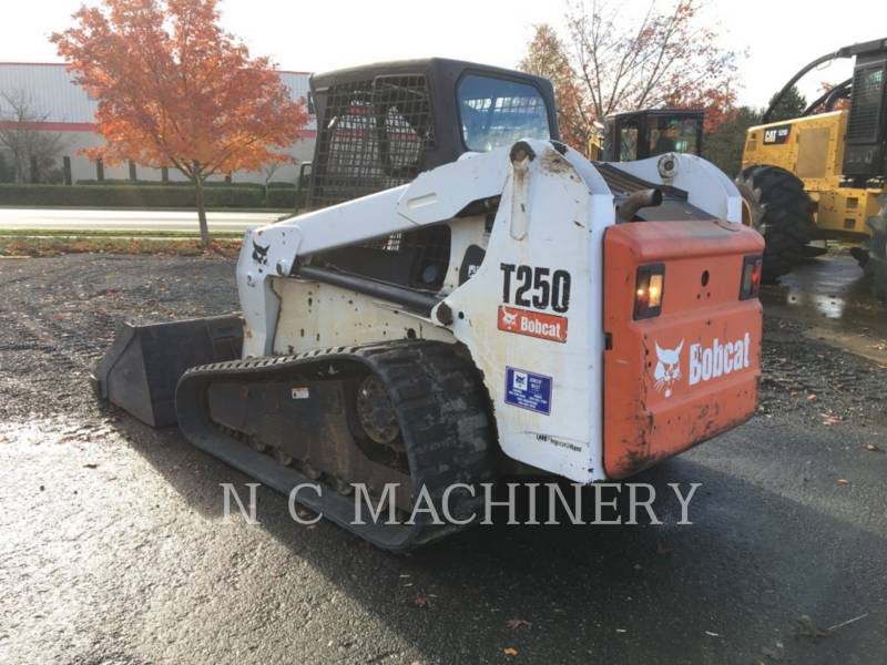 BOBCAT WHEEL LOADERS/INTEGRATED TOOLCARRIERS T250 equipment  photo 2
