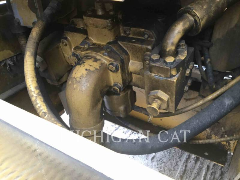 CATERPILLAR TRACK EXCAVATORS 231D equipment  photo 19