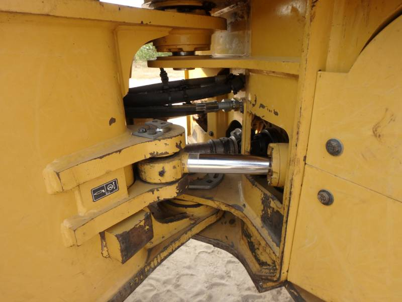CATERPILLAR EXPLOITATION FORESTIÈRE - DÉBARDEURS 525D equipment  photo 13