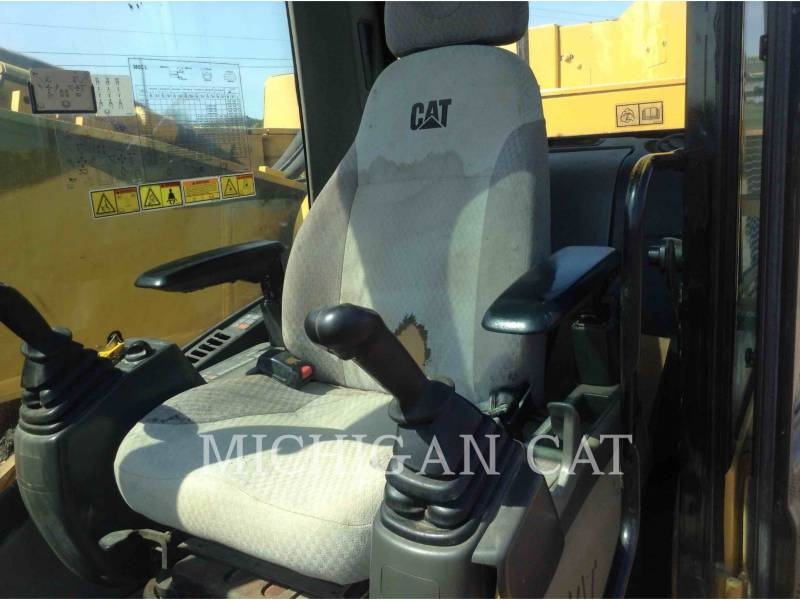 CATERPILLAR TRACK EXCAVATORS 365CL equipment  photo 5