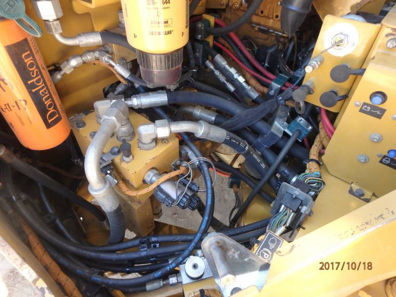 CATERPILLAR COMPACTEURS TANDEMS VIBRANTS CB54 equipment  photo 20