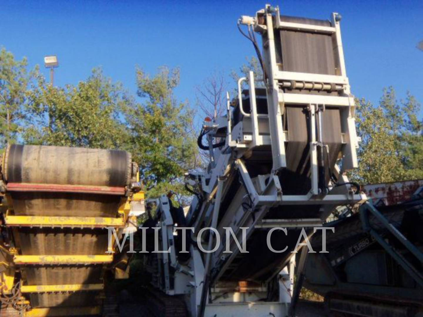 Detail photo of 2005 Metso ST348 from Construction Equipment Guide