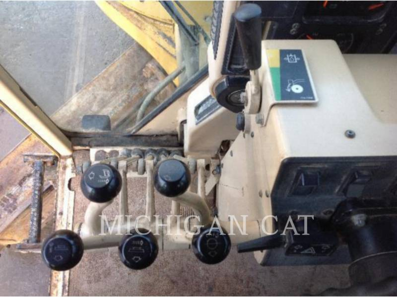 CATERPILLAR NIVELEUSES 163H equipment  photo 14