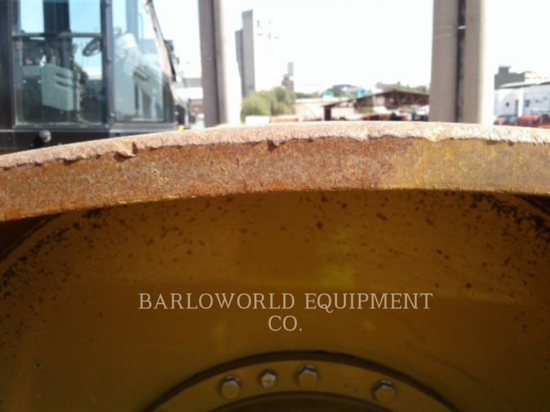 CATERPILLAR EINZELVIBRATIONSWALZE, GLATTBANDAGE CS-533E equipment  photo 13