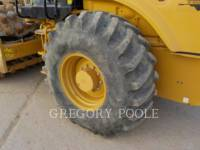CATERPILLAR COMPACTEUR VIBRANT, MONOCYLINDRE À PIEDS DAMEURS CP-56B equipment  photo 17