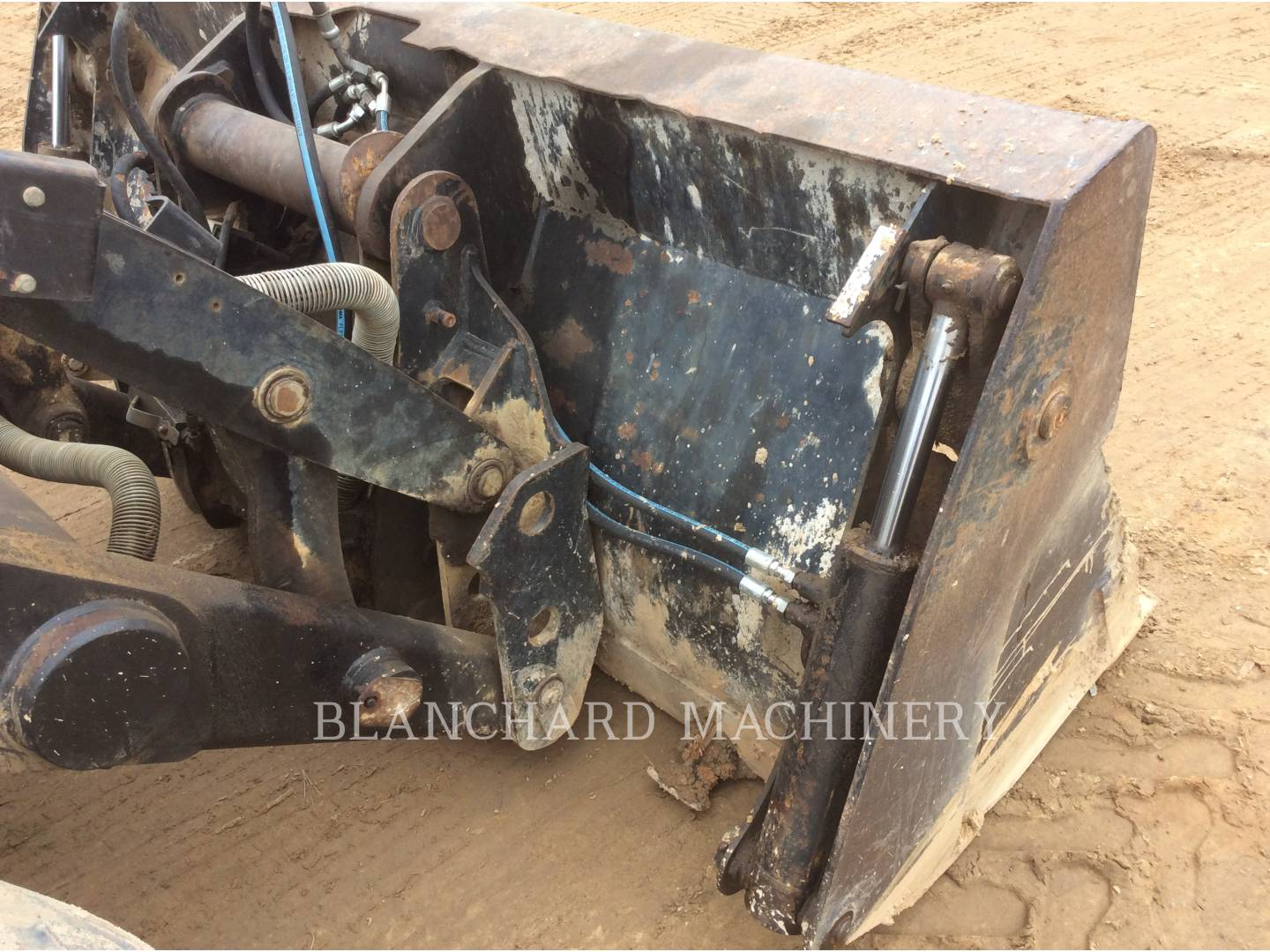 Detail photo of 2000 Caterpillar 416C from Construction Equipment Guide