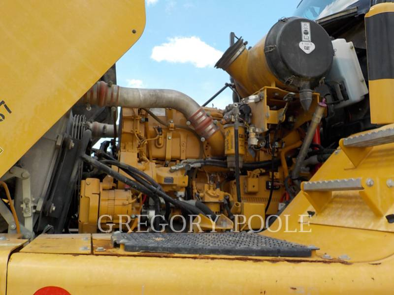 CATERPILLAR CAMIONES ARTICULADOS 740 equipment  photo 16