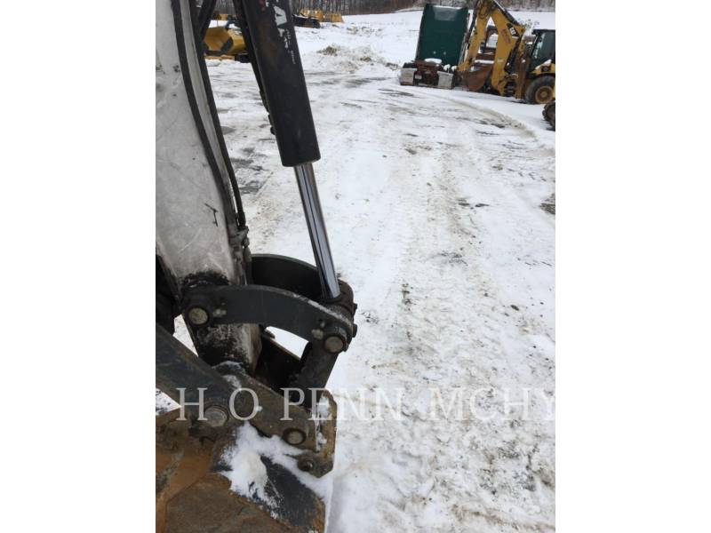 BOBCAT PELLE MINIERE EN BUTTE E45 equipment  photo 8