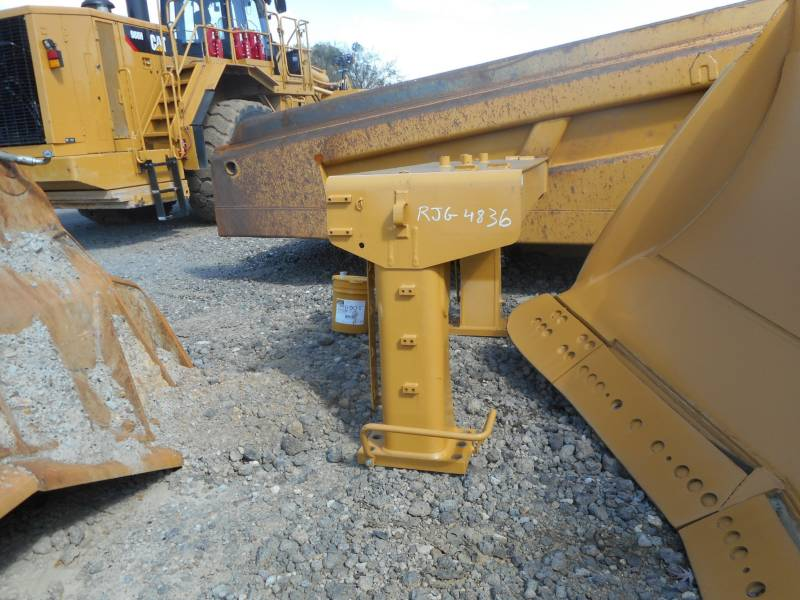 CATERPILLAR TRACTEURS MINIERS D10T equipment  photo 8