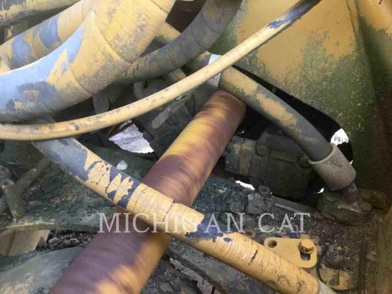 CATERPILLAR WHEEL TRACTOR SCRAPERS 613 equipment  photo 9