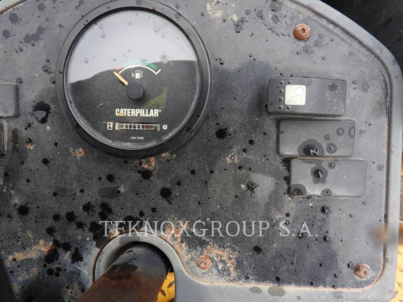 CATERPILLAR VIBRATORY DOUBLE DRUM ASPHALT CB-334EII equipment  photo 3