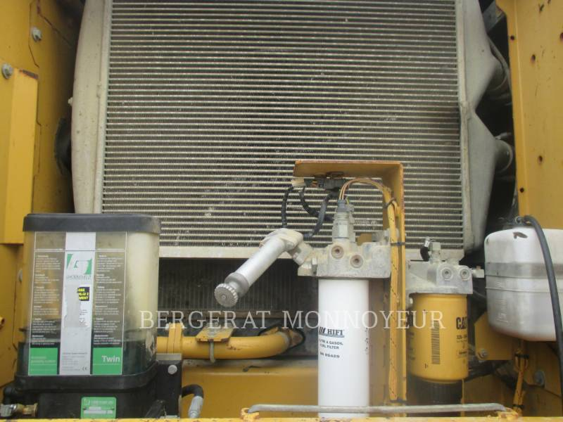 CATERPILLAR KETTEN-HYDRAULIKBAGGER 325DL equipment  photo 9
