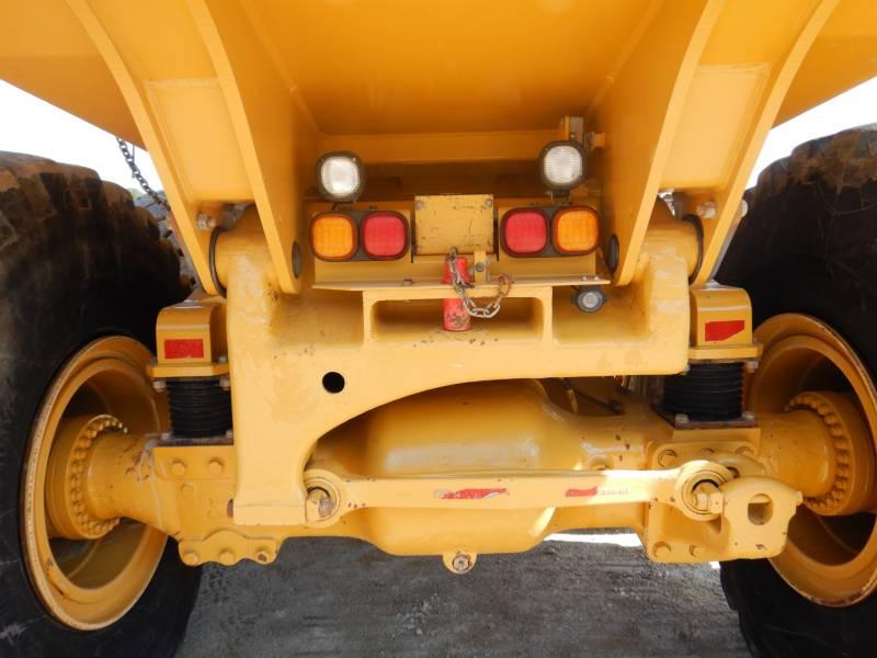 CATERPILLAR KNIKGESTUURDE TRUCKS 740 B equipment  photo 17