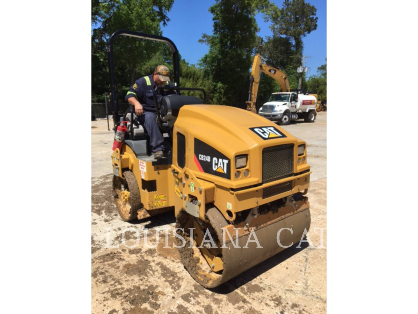 Detail photo of 2015 Caterpillar CB24B from Construction Equipment Guide