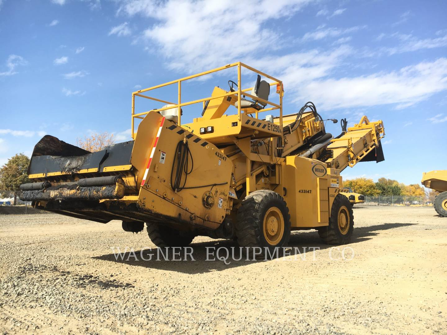 Detail photo of 2014 Weiler E1250A from Construction Equipment Guide
