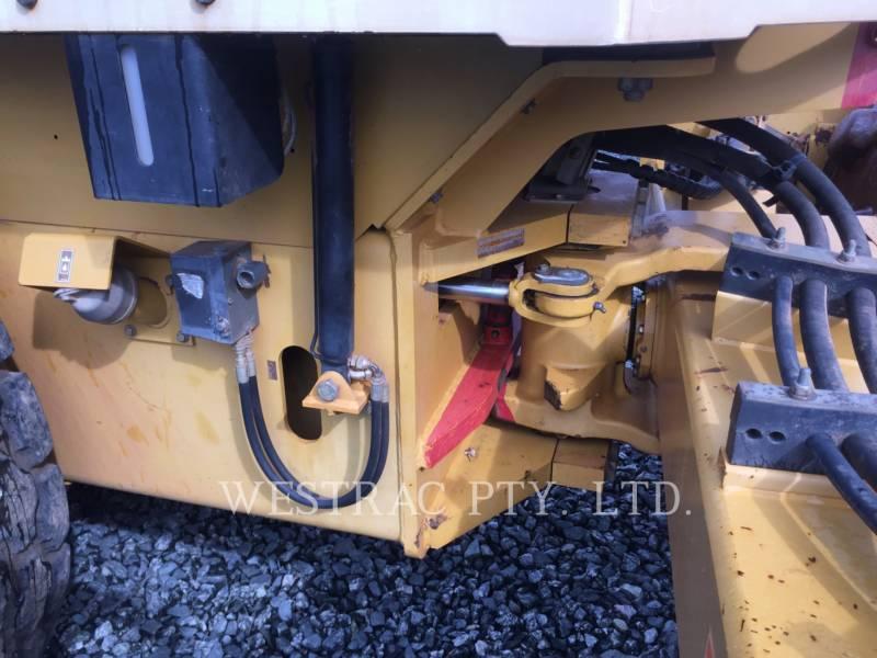 CATERPILLAR VIBRATORY SINGLE DRUM SMOOTH CS-563E equipment  photo 9