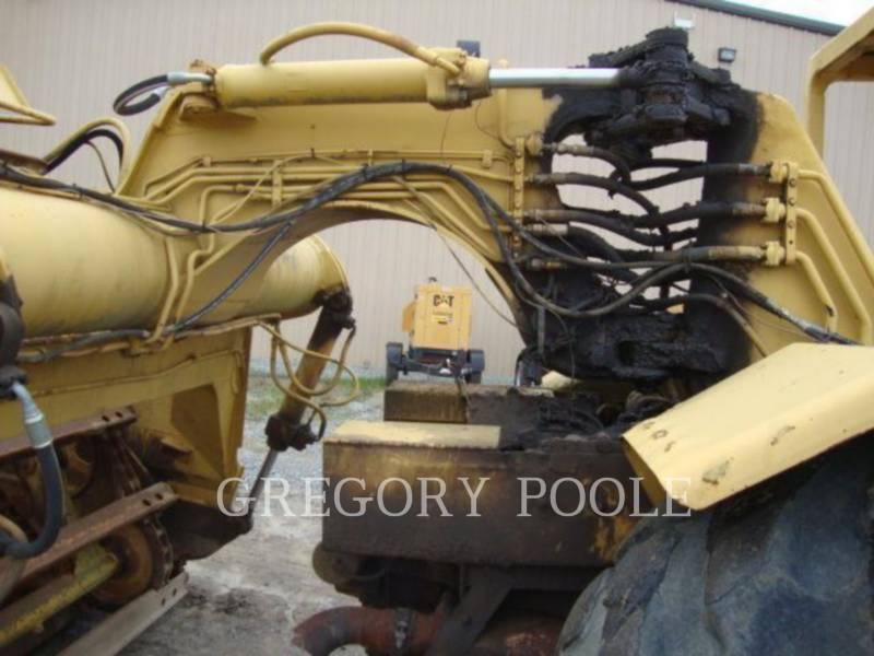 CATERPILLAR WHEEL TRACTOR SCRAPERS 613B equipment  photo 10