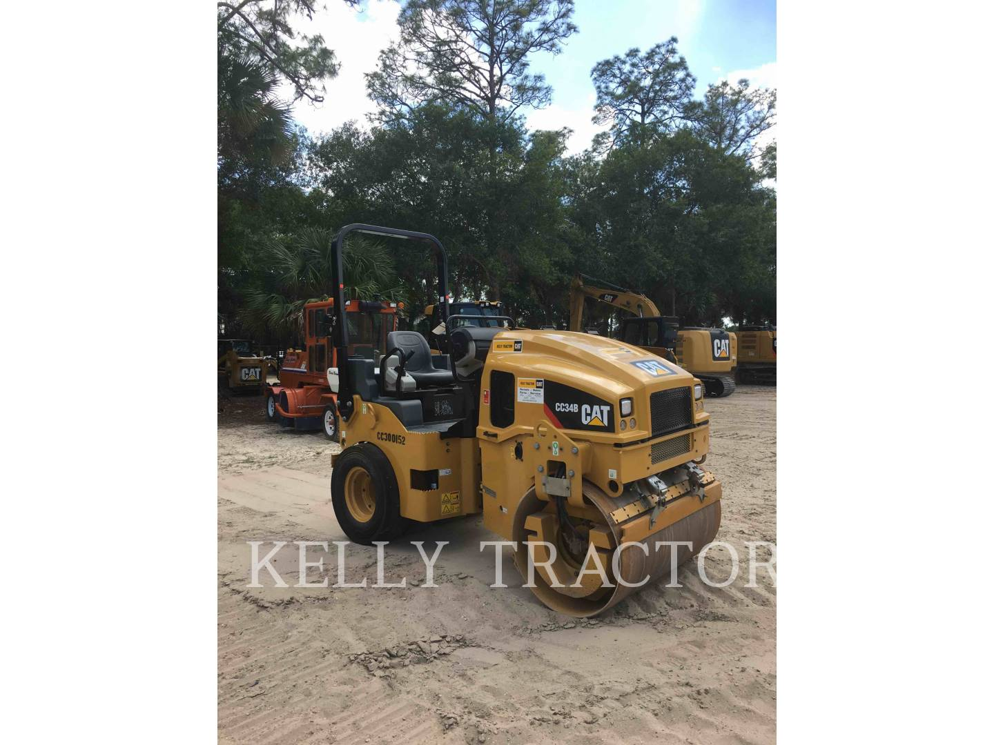 Detail photo of 2017 Caterpillar CC34B from Construction Equipment Guide