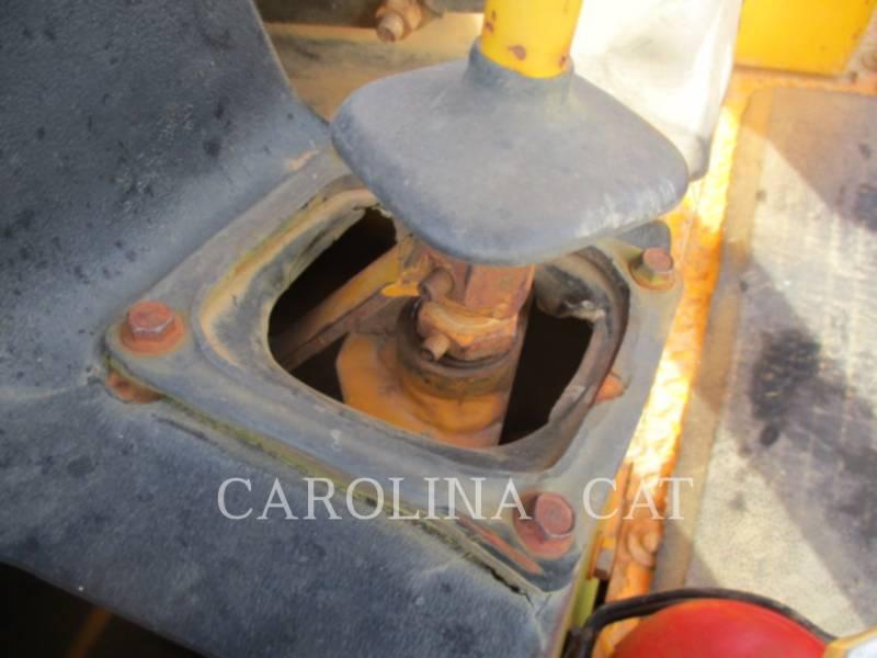 JOHN DEERE TRACK TYPE TRACTORS 550G equipment  photo 19