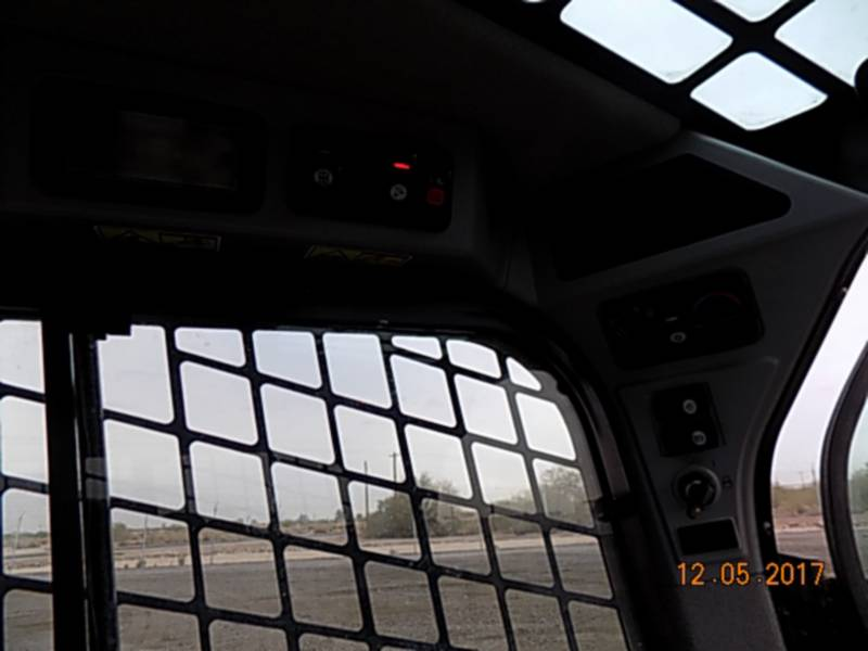 CATERPILLAR SKID STEER LOADERS 226D equipment  photo 13