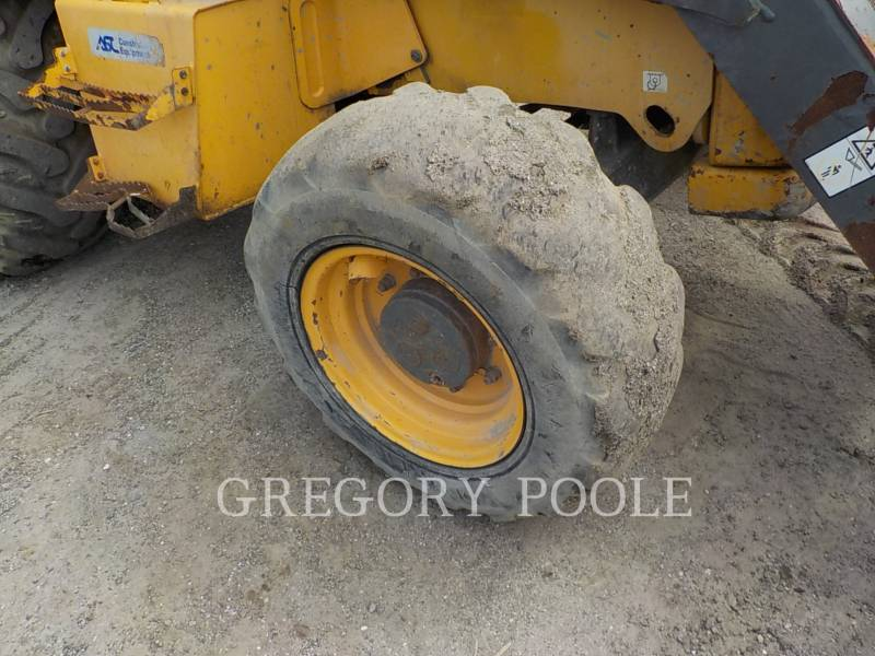 VOLVO BACKHOE LOADERS BL70 equipment  photo 19