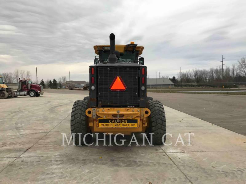 JOHN DEERE MOTOR GRADERS 772G equipment  photo 8
