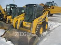Equipment photo GEHL COMPANY R220 SKID STEER LOADERS 1