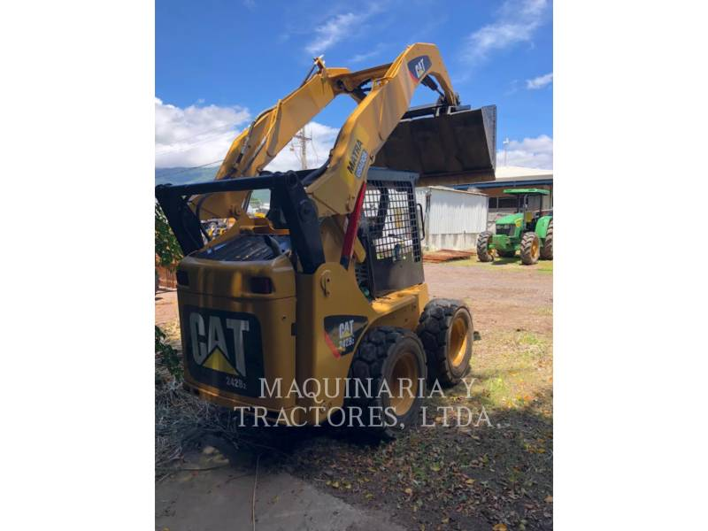 CATERPILLAR PALE COMPATTE SKID STEER 242B2 equipment  photo 2