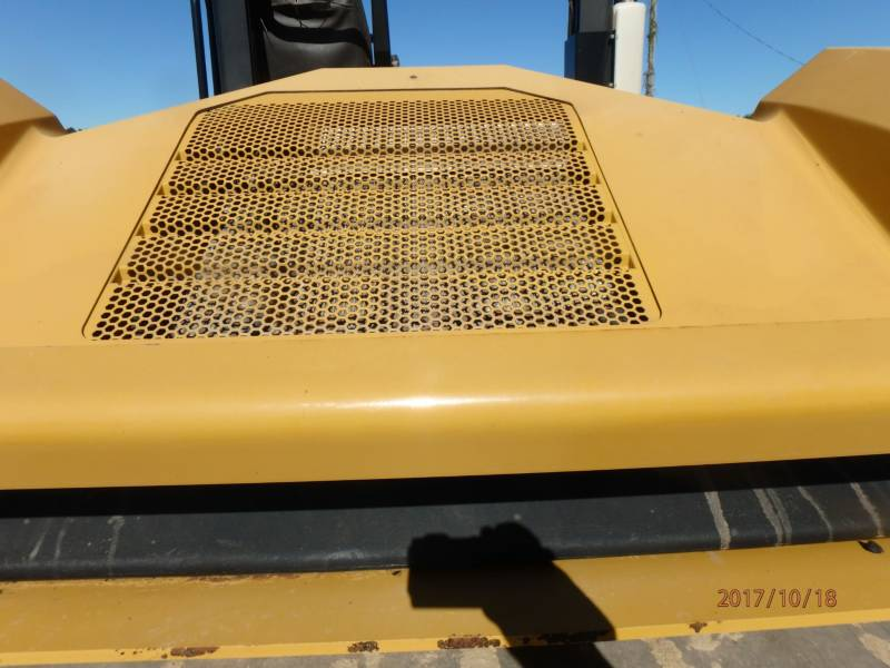CATERPILLAR COMPACTEURS TANDEMS VIBRANTS CB54 equipment  photo 16