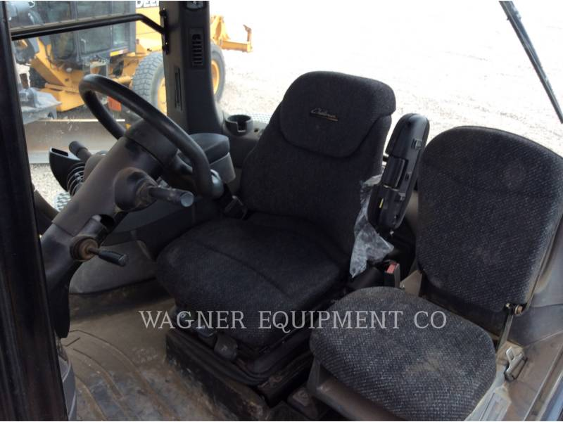AGCO TRACTEURS AGRICOLES MT865C equipment  photo 8